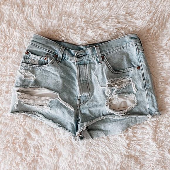Levi's 501 high rise jean shorts ✨